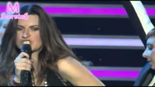 Laura Pausini cantando Madonna Papa don