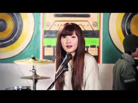2  girl xinh hát hay - tình yêu màu nắng