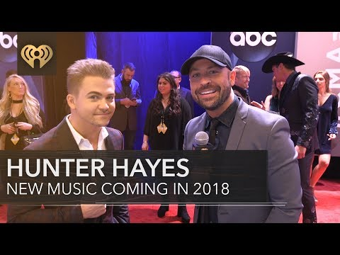 Hunter Hayes Worst Habit | CMA Red Carpet Interview