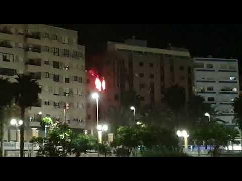 Espectacular incendio en la calle Linares