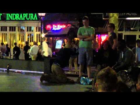 Rembrandtplein Amsterdam~the night crowd