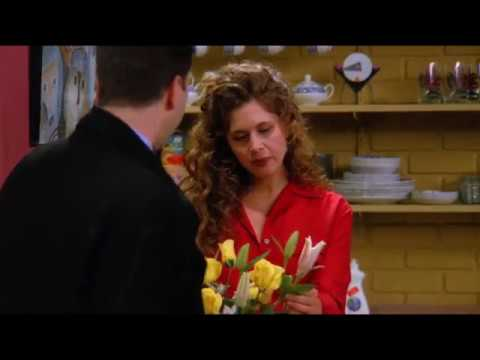 FRIENDS  Ross goes to Carol's to pick his skull