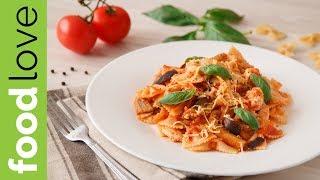 Ароматная паста с курицей и баклажанами в томатном соусе | Вкусный ужин | FoodLove