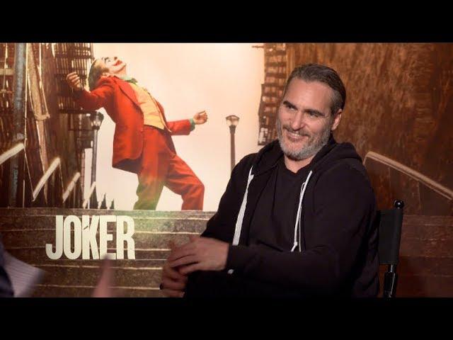JOKER movie interviews - Joaquin Phoenix, Todd Phillips - Gotham City, bullying