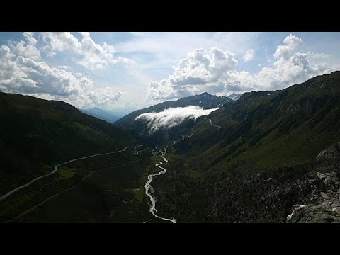 Euronews:Watch: River of clouds descends on Alpine valley