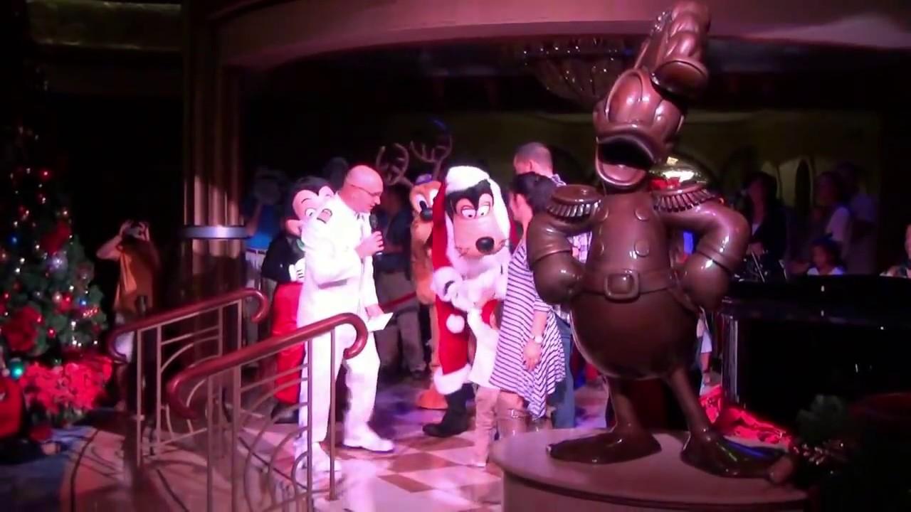 Mickey's Tree Lighting Magic on Disney Dream Merrytime ...