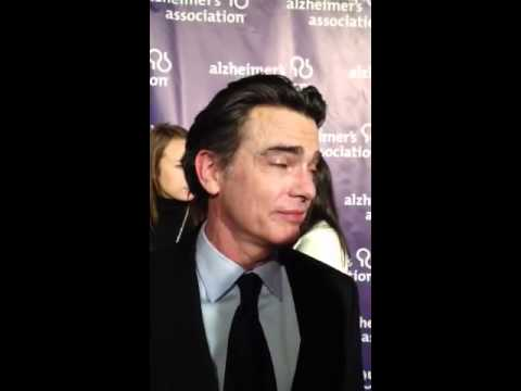 "Peter Gallagher attempts to sing ""The OC"" theme song"