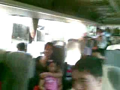 Melia Hanoi trên xe tiến vào khách sạn