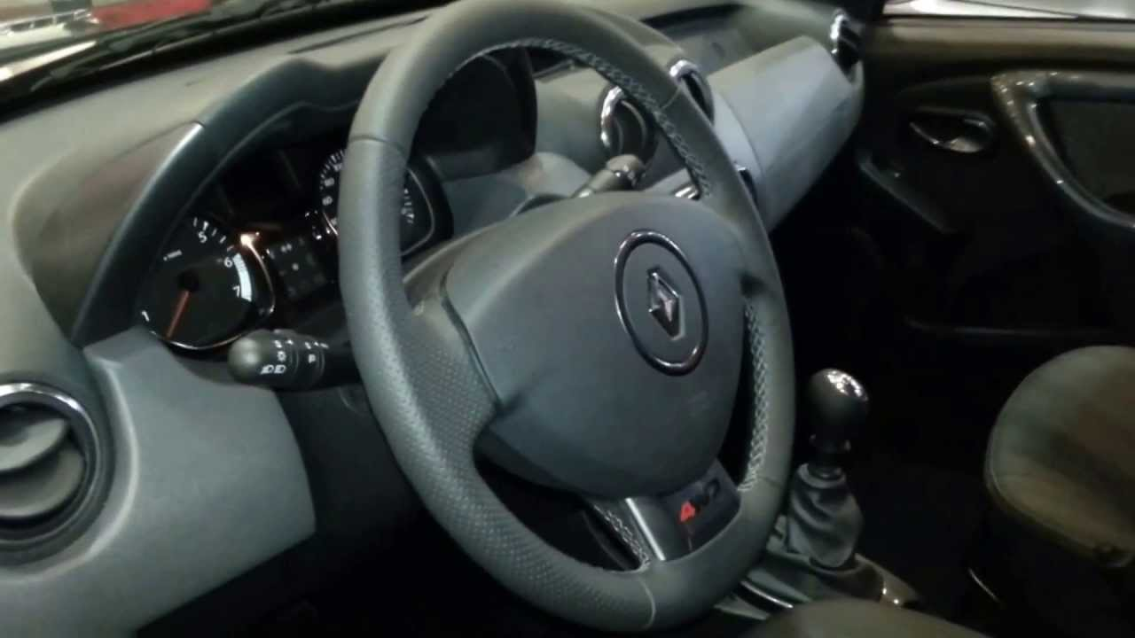 Interior Renault Duster 2014 video versión Colombia - YouTube