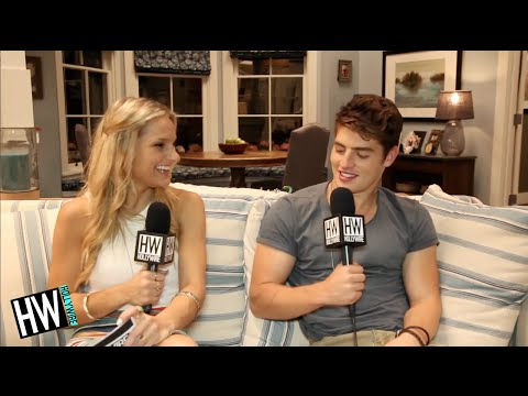 'Faking It's' Gregg Sulkin Shares Awkward Dance Moves! (HOTSEAT)