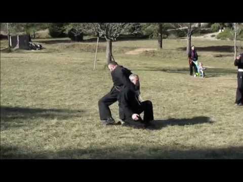 Budo Kai Do - démonstration de Yumi et de la défense mains attachées