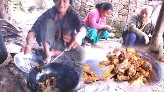 Cooking / Fry Fish and Eating in Group !! Rural cooking !!  Village Lifestyle of Nepal !!