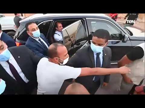 """طفل لـ الرئيس السيسي"""": عمو انت هتلف على البيوت كلها.. والرئيس والله نفسي الف عليها كلها"""