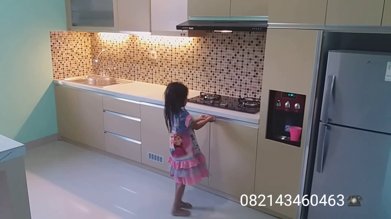Kitchen set minimalis berbahan multiplek finishing hpl