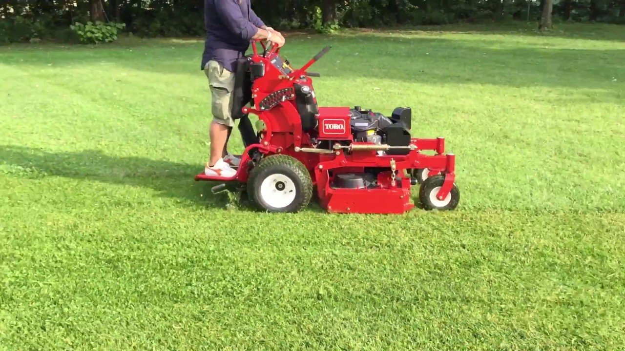TORO GRANDSTAND 36'' - Tosaerba professionale a leve stand on
