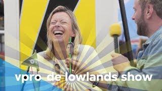 Kajsa Ollongren en Tim in De Lowlands Show - Afl. 5/8