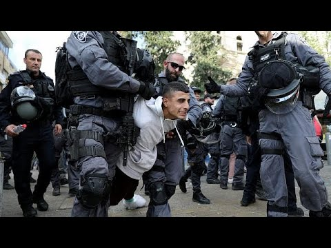 إشتباكات بين الفلسطينيين والشرطة الخاصة في جمعة الغضب الثانية ضد  قرار ترامب حول القدس …  - نشر قبل 7 ساعة