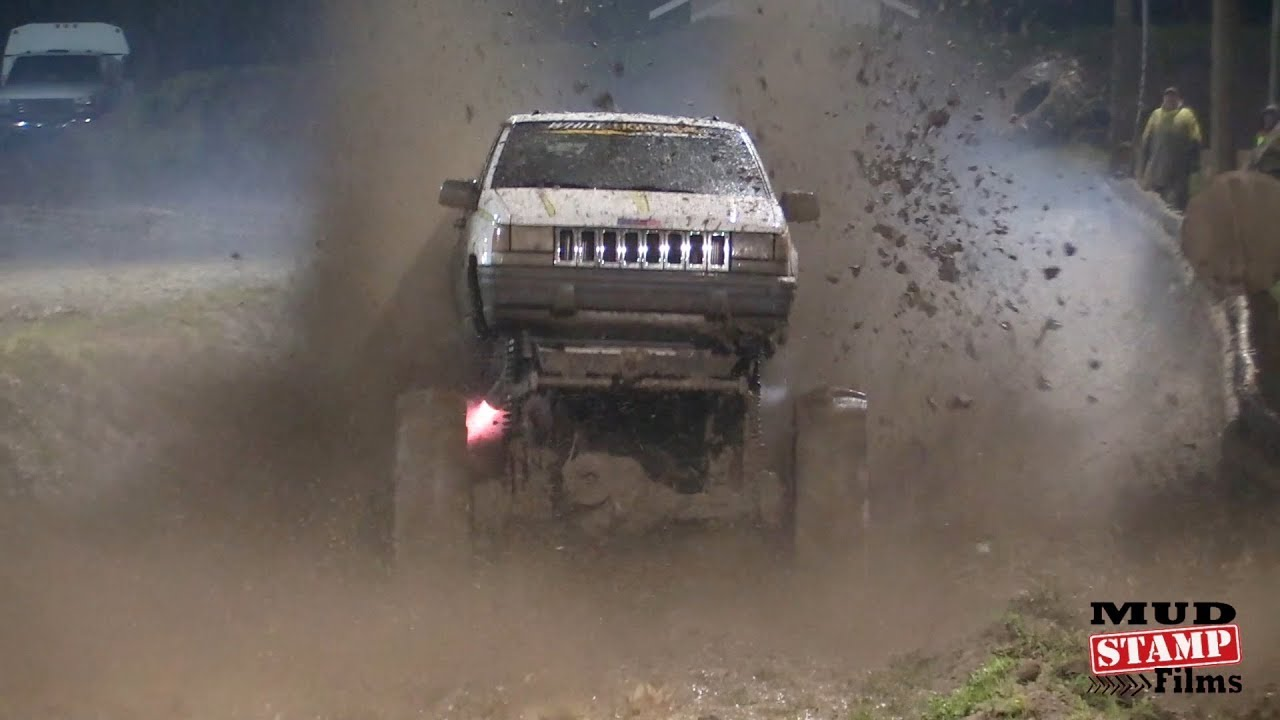 Mud skimmers and Fast Trucks - Eagle Mud Bog 2018