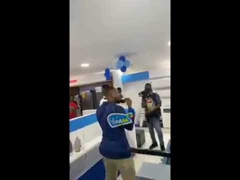 watch-full-video,-kelvyn-boy-beaten-by-stonebwoy's-former-bodyguard-in-ashaima