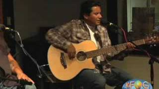 "Los Lonely Boys, ""Staying With Me"" - KFOG Archives"