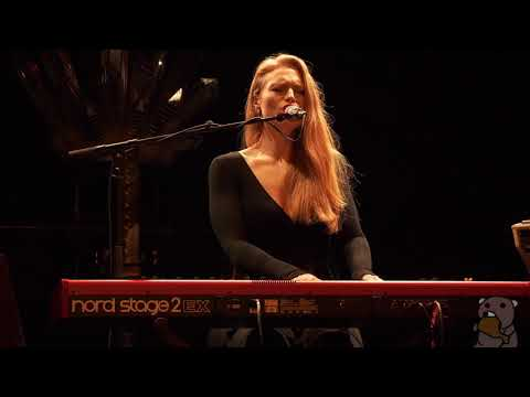 Freya Ridings - Blackout [4K 60FPS] (live @ Bowery Ballroom 3/8/18)