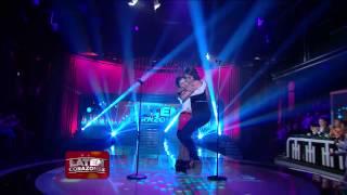 """La Familia Títaro canta """"Mujer amante"""" - Laten Corazones"""