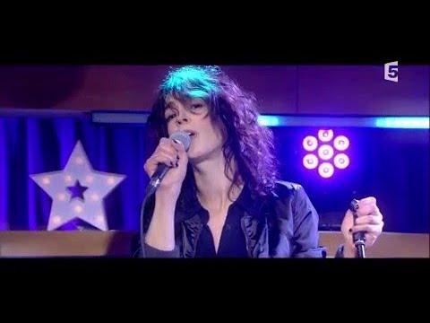 Le live : Adrienne Pauly - C à Vous - 12/01/2018