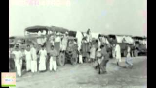 1947: Ahmadiyya Muslims migrating from Qadian, India to Pakistan.