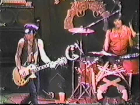 LA GUNS Live in Hollywood 11-3-86 pt. 1...