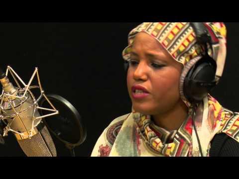 Aziza Brahim  I Le live de la matinale