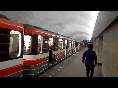 Tbilisi, Georgia metro Station  Nadzaladevi. Тбилиси, станция метро Надзаладеви.