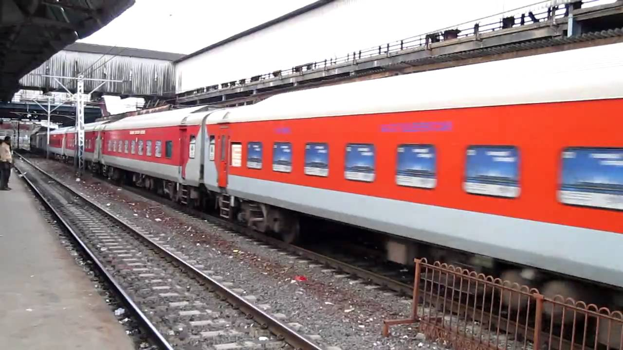 rajdhani delhi Mumbai-delhi rajdhani express has been revamped under indian railways' 'operation swarn' the 12951/52 rajdhani express between mumbai and delhi has a host of new features - from comfortable and clean seats, led lighting to modular and swanky and more hygienic toilets.