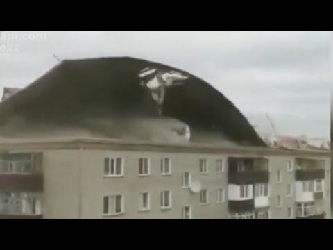 Ураган на Урале сорвал крышу
