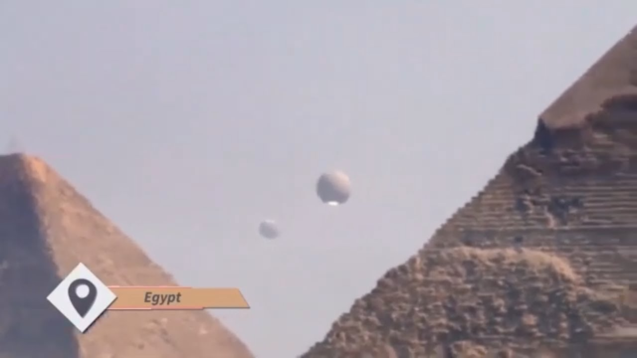 UFO Footage From Egypt!!UFO Fleet Over Giza Pyramids !!!Latest Alien Sightings