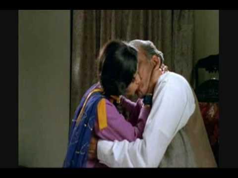 Divya dutta kissing