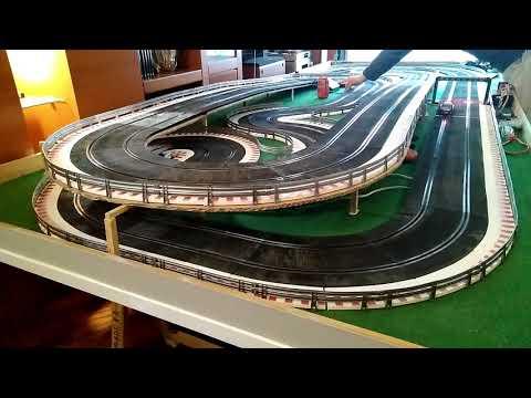 04-Prueba en pista de coche Scalextric, scx, opel astra dtm, con chasis original y 3D