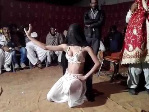 Depalpur Dance on Mahi de Khoo to Paani,,,