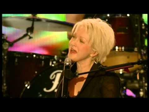 Cyndi Lauper Live -