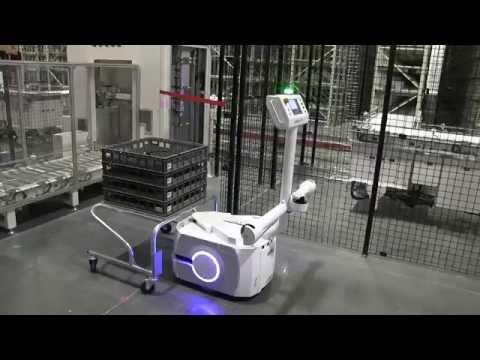 Fully autonomous robot in Tesla Gigafactory