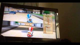 Bro and sister play Wii party: part 3, Pizza delivery