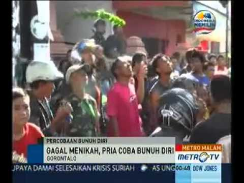 Batal Kawin, Pemuda Panjat Papan Reklame Mp3