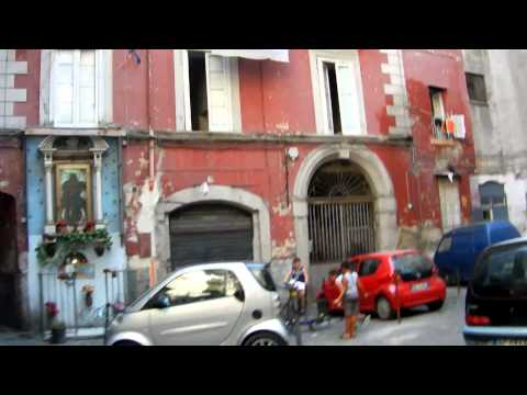 A One-Street Tour Shows Why I Like Naples