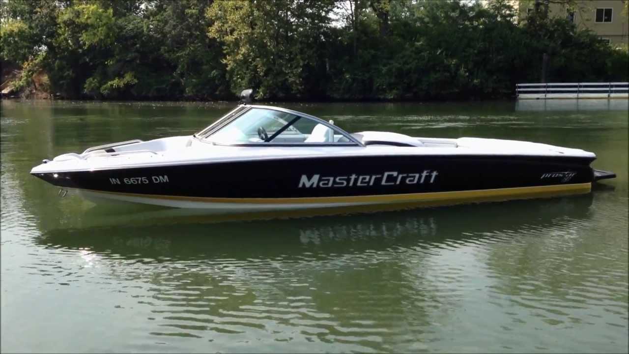 2003 MasterCraft ProStar 197- Black/ Yellow/ White On Water