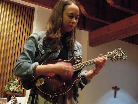 """Peace"" (instrumental) - Sarah Jarosz at St. Stephen's Episcopal in Wimberley TX 12/19/2015"