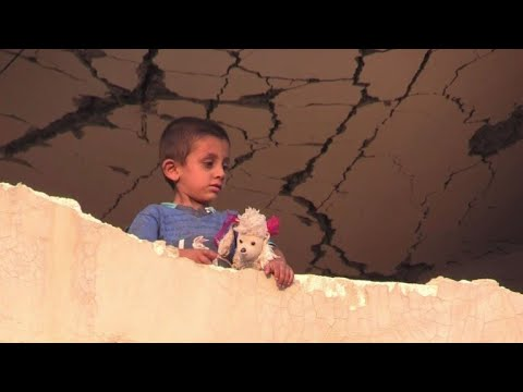 Civilians fleeing Syria's Raqa find shelter in ruined town
