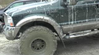 Ford Excursion Arctic Trucks offroad i Modalen