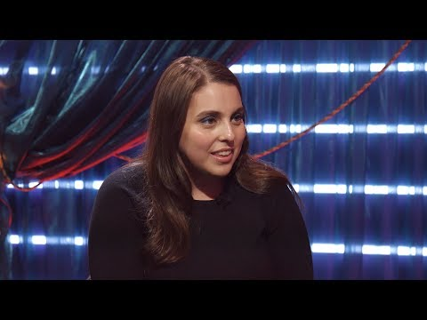HELLO, DOLLY!'s Beanie Feldstein on Her LADY BIRD Breakout, BFF Ben Platt and More! streaming vf