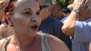 В Афинах продукты раздают даром(( http://ntdtv.ru ) В столице Греции в среду прошла акция по раздаче бесплатных продуктов питания. Продовольствие..., 2012-06-20T13:50:01.000Z)