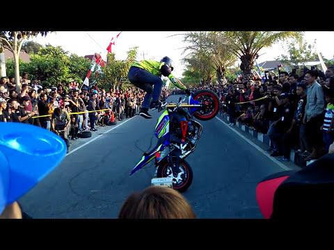 Aksi Gila Wawan Tembong FREESTYLE Terbaru Pakai YAMAHA R6 Dan Yamaha Mt25 Juara Asean
