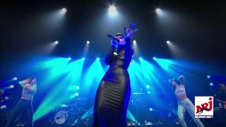 Repeat youtube video Lily Allen - Hard Out Here - Showcase NRJ